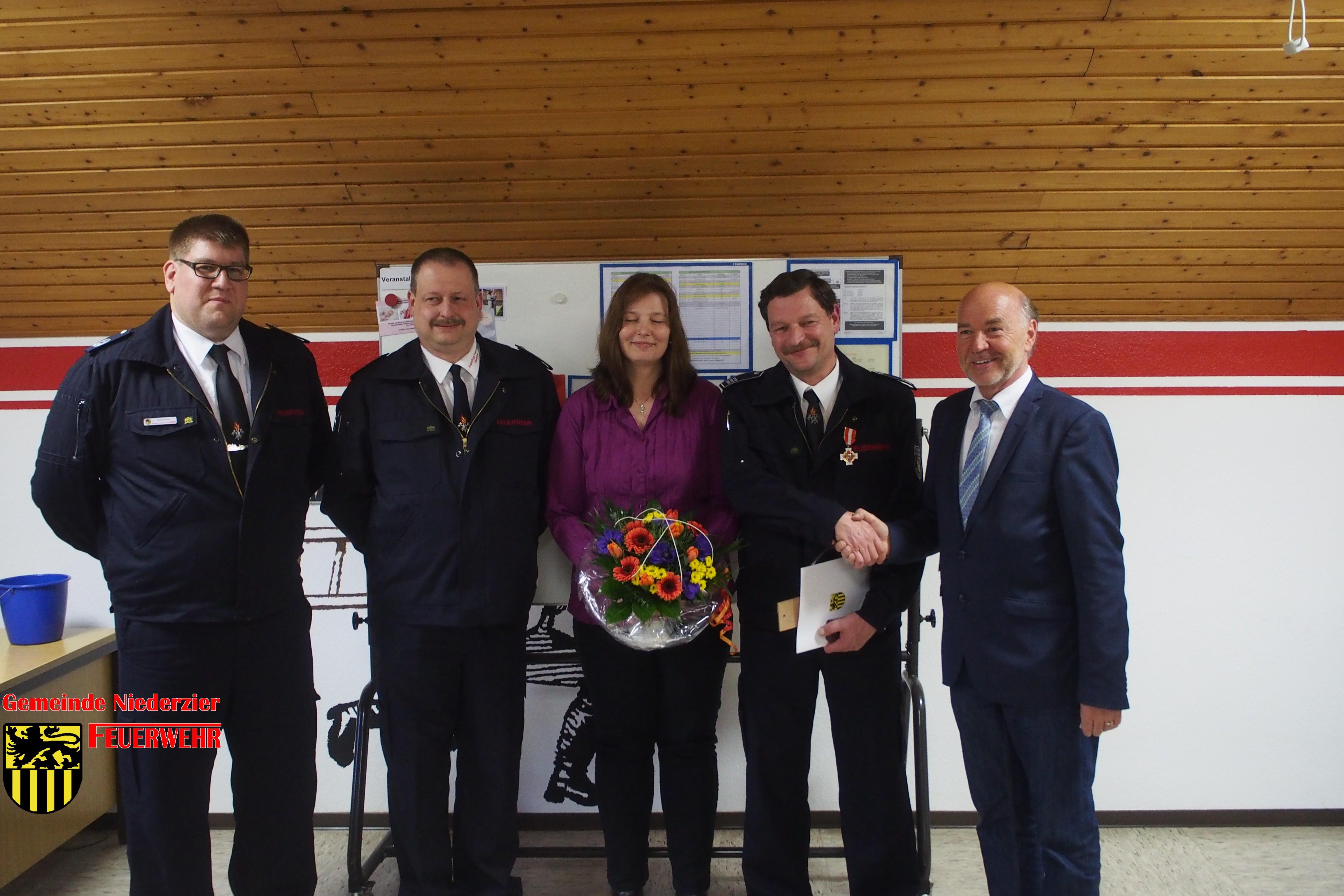 Jahresdienstversammlung der Feuerwehr der Gemeinde Niederzier am 7. April 2017 im Gerätehaus Oberzier
