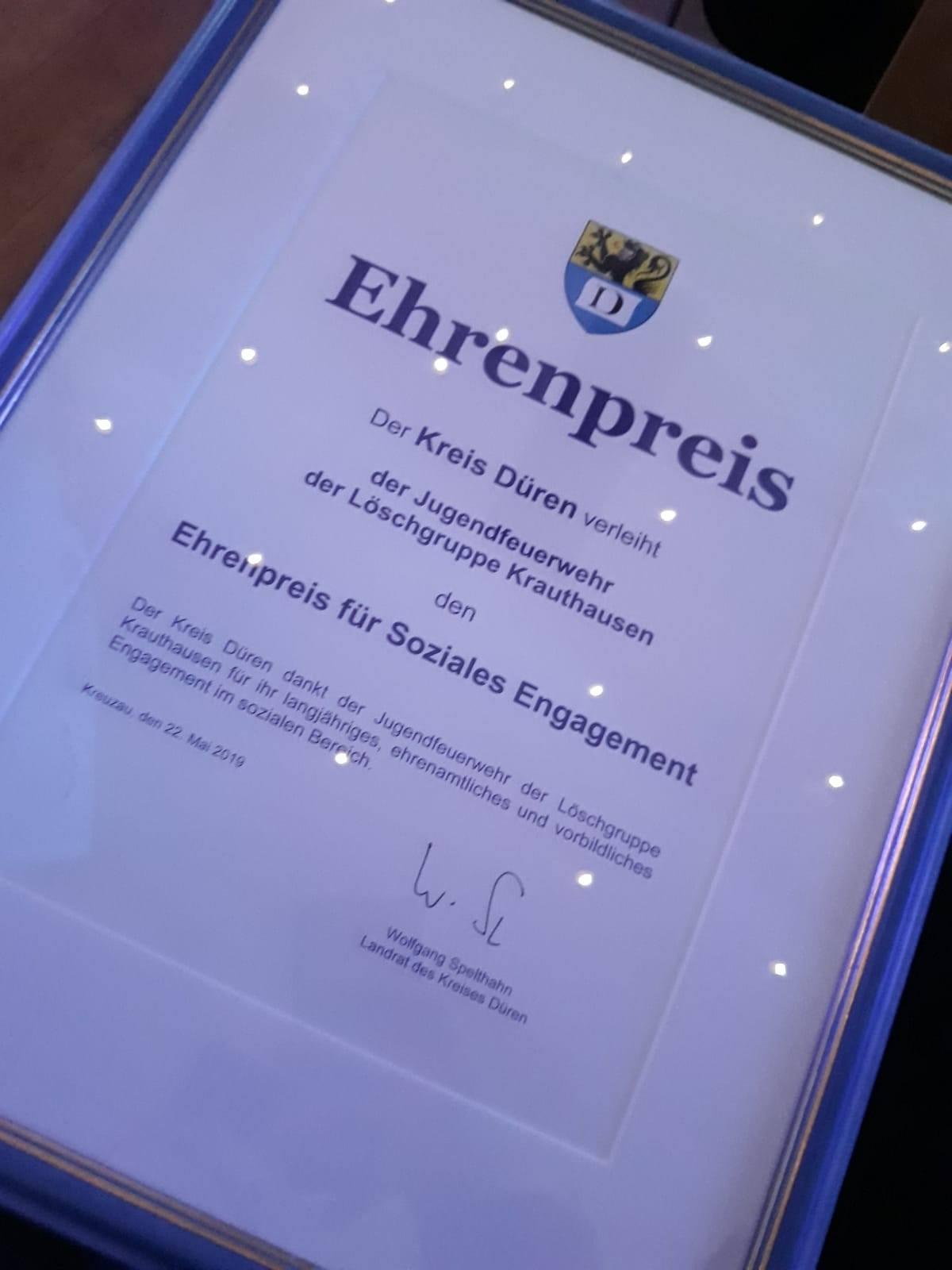 You are currently viewing Jugendfeuerwehr Krauthausen erhält Ehrenpreis des Kreises Düren für Soziales Engagement