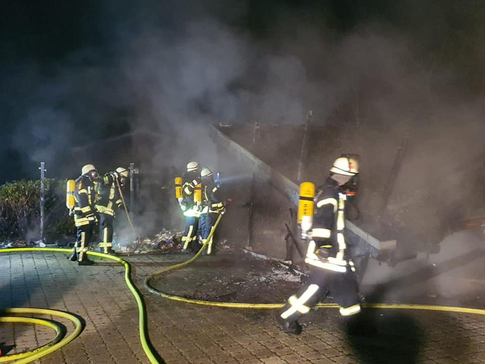 Niederzier #BD2# Garagenbrand