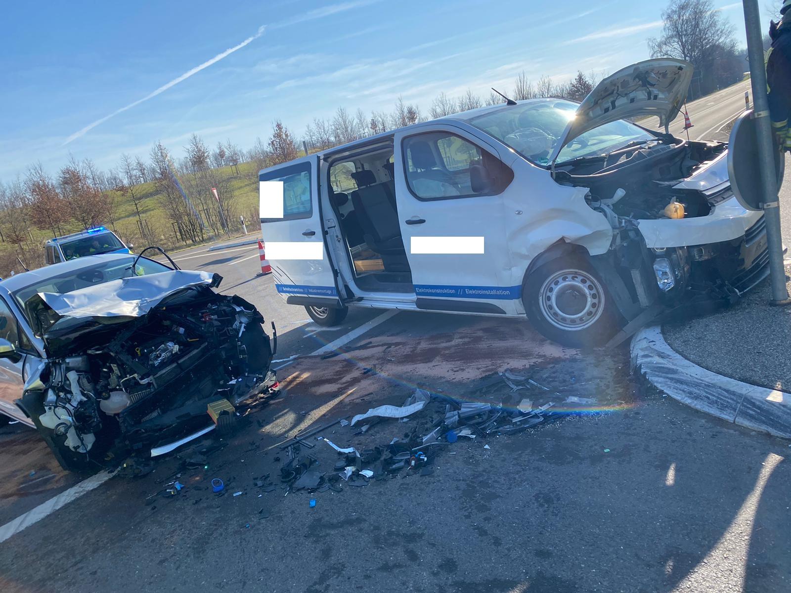 Hambach #TH-VU# Verkehrsunfall unklar.