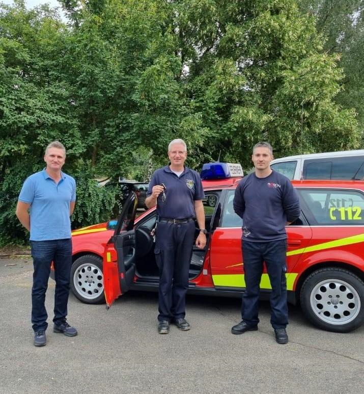 You are currently viewing Kommandowagen als Spende an Feuerwehr der Verbandsgemeinde Altenahr übergeben